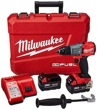 Milwaukee M18 Hammer drill kit