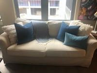 Pottery Barn Couch Light Grey Covers that can be Changed - $650 WASHINGTON