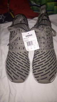 COMPLETELY NEW NMD R2 PK   SIZE 10.5! Vancouver