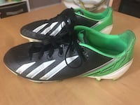 Adidas Soccer Shoes (Size 5) Mississauga, L5N 7G3