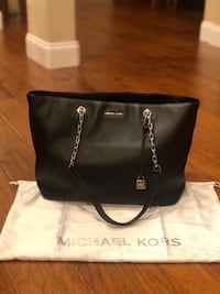 101f542e701722 Michael Kors Leather Handbag. Like new!