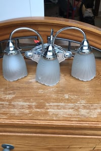 Bathroom light fixture Springfield, 22150