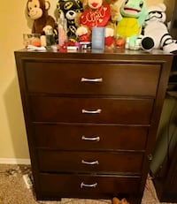 brown wooden 5-drawer chest Tulare, 93274