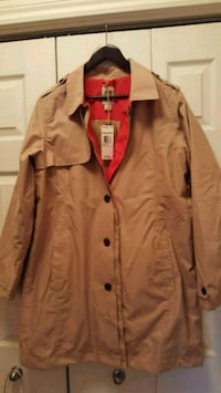 brown button-up coat Montréal, H4N 2M3