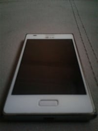 Blanc smartphone Android LG