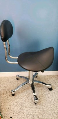 black and gray rolling chair Ajax, L1T