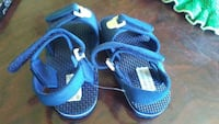 pair of blue flat sandals Napanee, K7R 3K7