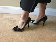 Authentic Gucci black patent leather pumps 8.5