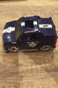 Selling maple leafs toy car