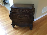 Three drawer side table Columbia, 21044
