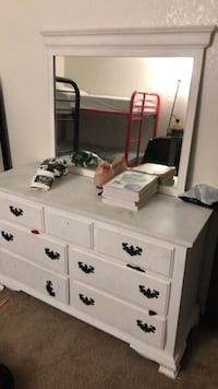 White wooden dresser with mirror Mesa, 85204