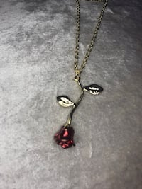 Rose Gold Coloured Necklace / Collier