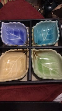 Four assorted color dish's Portland, 97206