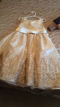 White and brown floral sleeveless dress size 8 Quebec City, G1T 1M1