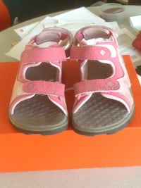 Columbia Pink summer shoes for girls size 10 Vancouver, V5M