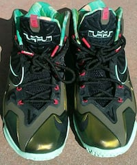 pair of black-and-green Nike basketball shoes Escondido, 92027