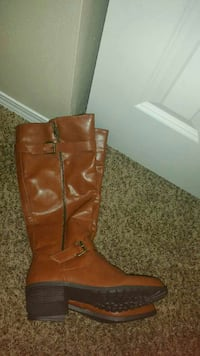 Brand new boots 8 1/2