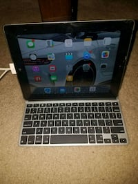iPads 32gb with ZAGG bluetooth keyboard  Catonsville