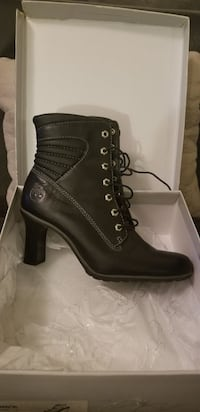 Women's Timberland high heel ankle boots 9 M Utica