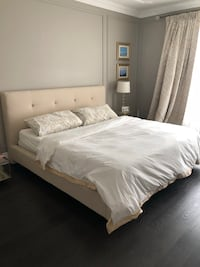 King size bed frame Vaughan, L4H 3W3