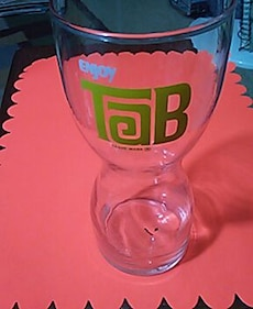 Tab hourglass shape soda glass