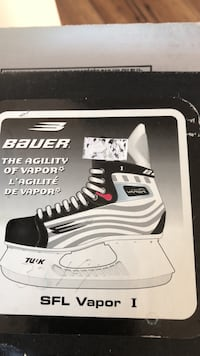 White and black bauer ice hockey skates Niagara Falls, L2H 2A7