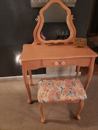 Patty's Painted Projects---Coral/Peach vanity & stool Jeffersonville