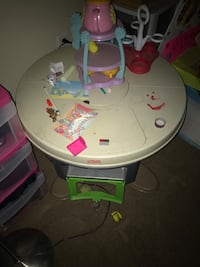 Fisher price oven table West Sacramento, 95691