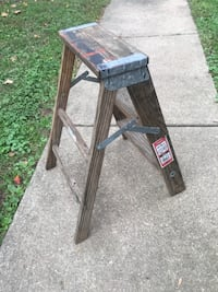 Small Vintage wooden step ladder Newark, 43055