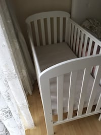Excellent condition baby cot London, N18 2LN