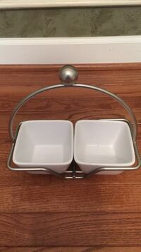 Ceramic serving dishes in silver tray Brookeville, 20833