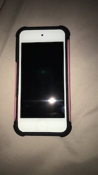 White/Pink IPod 5th Generation 64Gb! Case Included Vaughan, L6A 3H2