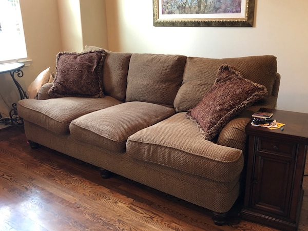 Swell Used Couch 7Ft For Sale In Houston Letgo Evergreenethics Interior Chair Design Evergreenethicsorg