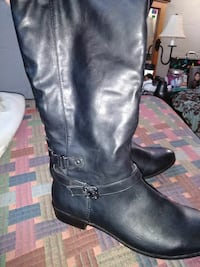 pair of black leather boots Swanton, 43558