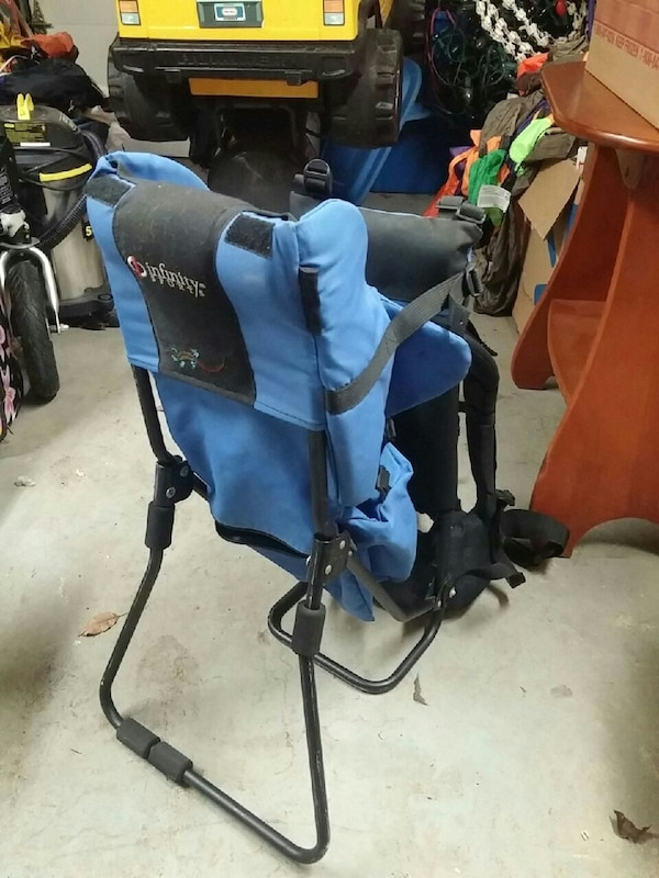 Hiking back pack to carry toddler