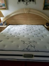 white and gray floral mattress Pembroke Pines