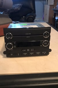 6 Cd  am/fm radio for Ford Stony Point, 10980