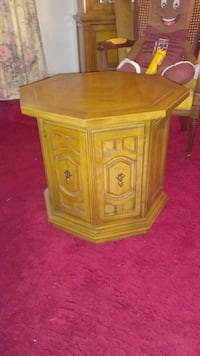 Rare Octagon Table Linthicum Heights, 21090