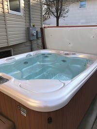 Ocean spray prodigy 4 person hot tub Lake Grove
