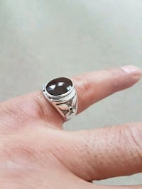 silver-colored ring with black gemstone Mississauga, L5N