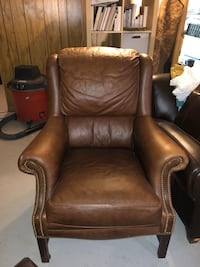 Pottery barn Leather arm chair Silver Spring, 20901