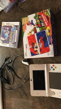Super mario 3ds with usb charger and pokémon moon game Winnipeg, R2K 3J5