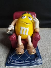 LIMITED EDITION Yellow M&M'S La-Z-Boy Candy Dispenser RARE MARS 1999 Englewood