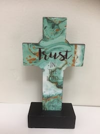 Trust in the lord cross wooden home decor