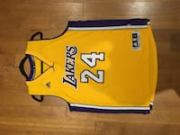 Kobe Bryant Lakers NBA jersey size Large  Great condition hardly worn Mississauga, L5J 3C4