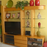 Maple Entertainment/Wall Unit Gaithersburg, 20882