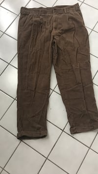 """Club Room Corduroy Brown Pants Size 40 x 30"""" Inseam Good Shape no holes. We meet in Hagerstown Md 21742, or Shipped at Buyers cost USPS from Zip Code 21742. Based on 1.6 Pounds.  Orchard Hills, 21742"""
