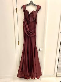 Jessica Angel Formal Fitted Mermaid Long Satin/Jersey Maroon Gown Sz M Mc Lean, 22102
