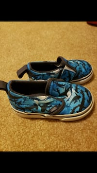 Baby shoes vans size 5