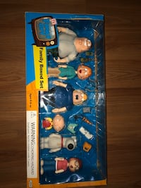 *RARE* Family Giy Action Figure Set Cambridge, N1R 7Z3